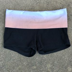 PINK Victoria's Secret Shorts - PINK Victoria's Secret M BLACK Yoga Shorts